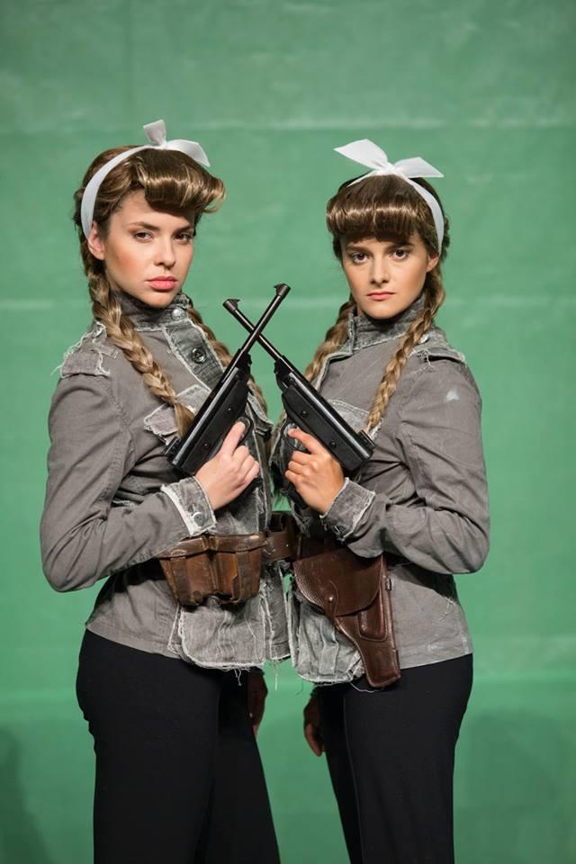 Габриела и Моника - Боряна Братоева и Мила Люцканова, снимка: ДТП